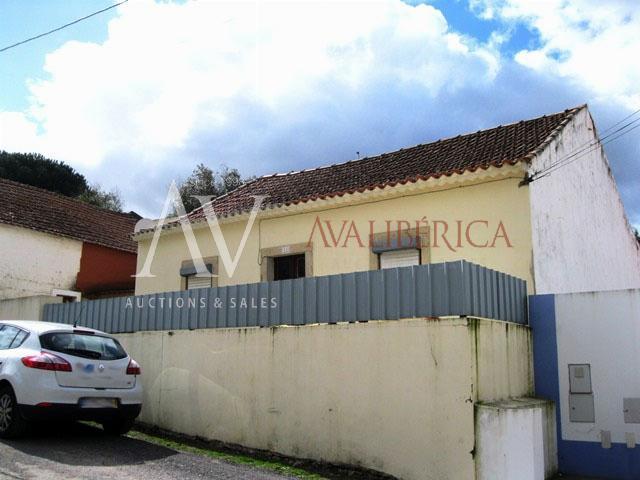 Fotografia de capa da venda Fernando Paulo Palma Alves e Carla Alexandra Nascimento de Sousa.
