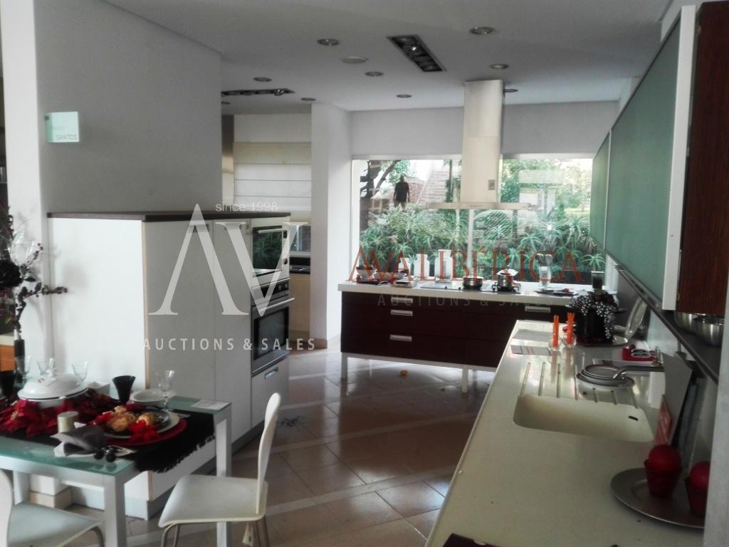 Fotografia de capa da venda K M Kitchen Madeira - Mobiliário de Cozinha e Banhos, Lda..